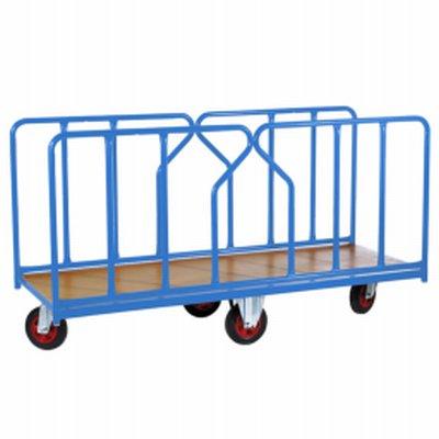 Photo Chariot pour charges longues 500 kg équipé de ridelles amovibles tube